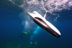 Underwater drone diving